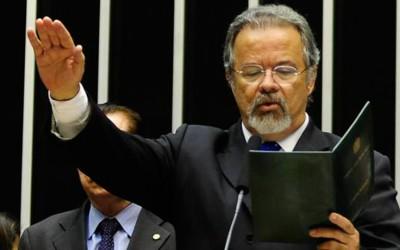 Raul toma posse e assume vice-liderança da oposição