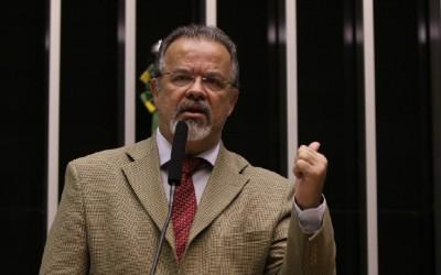 Raul entra na Justiça para suspender acordos de leniência