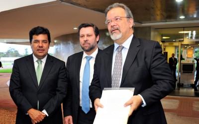 STF discutirá se cabe investigação de Dilma no Petrolão