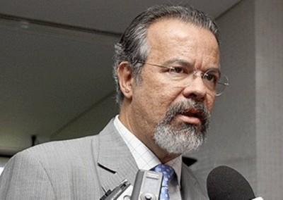 Ação contra Cid Gomes