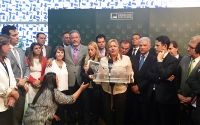 Raul encontra-se com parentes dos presos políticos na Venezuela